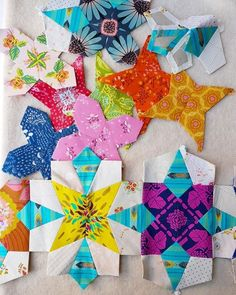 How to Fussy Cut! A Lucy Boston Quilt-Along. — Tales of Cloth Lap Quilt Patterns, Paper Piecing Patterns, Cross Patterns, Pattern Paper, Millefiori Quilts, Down Quilt, Handmade Birthday Cards, Handmade Cards, English Paper Piecing