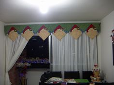 cenefa noel Christmas Clay, Christmas Sewing, Christmas Humor, Christmas Time, Holiday, Curtain Trim, Curtains, Quilt Border, Jingle Bells