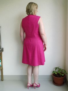 Schneider, Dress Sewing Patterns, Couture, Simple Dresses, Ideias Fashion, Pink, High Neck Dress, Suits, Denim