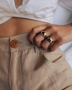 My Cart: Gold & Simple - Accessories that make an outfit! -In My Cart: Gold & Simple - Accessories that make an outfit! Ring Verlobung, Signet Ring, Looks Style, My Style, Beige Outfit, Look Fashion, Fashion Tips, Korean Fashion, Fashion Ideas