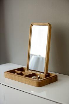 Diy Storage Table, Wooden Storage Boxes, Teen Room Decor, Diy Bedroom Decor, Home Decor, Decorating Your Home, Interior Decorating, Copenhagen Design, Mirror Box