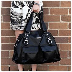 Victoria Shopper in Black