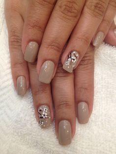 Nude nails with accent flowers Really Cute Nails, Cute Nail Art, Beautiful Nail Art, Gorgeous Nails, Pretty Nails, Floral Nail Art, Nail Polish Art, Colorful Nail Designs, Get Nails