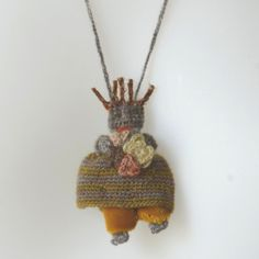 Tiny handknotted doll by Sophie Digard Textile Jewelry, Fabric Jewelry, Jewellery, Hand Crochet, Crochet Toys, Primitive Embroidery, Knitted Dolls, Beautiful Crochet, Textiles