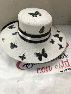 Painted Hats, Hand Painted, Sombrero A Crochet, Hat Decoration, Cocktail Hat, Dress Hats, Summer Hats, Sketching, Panama Hat