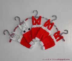 Ravelry: Christmas Decoration part II pattern by c v e t u l k a knits Knitted Christmas Stocking Patterns, Knitted Christmas Decorations, Knitted Christmas Stockings, Christmas Ornaments To Make, Christmas Panda, Xmas, Christmas Christmas, Christmas Ideas, No Carve Pumpkin Decorating