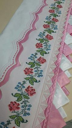 This Pin was discovered by ayş Cross Stitch Rose, Cross Stitch Borders, Cross Stitch Designs, Cross Stitching, Cross Stitch Embroidery, Hand Embroidery, Cross Stitch Patterns, Machine Embroidery, Embroidery Patterns Free