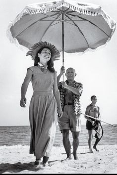 Picasso's Muse is 93, Paints Every Day, and Just Published a New Book - TownandCountryMag.com