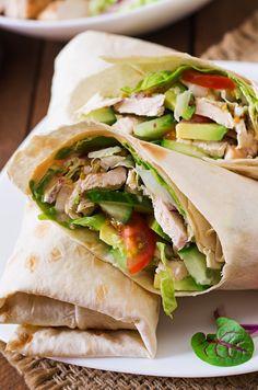 Wunderbar würzige Wraps mit knackigem Salat.