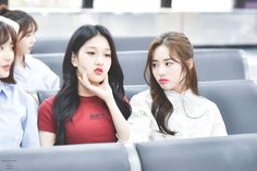 Photo taken at airport South Korean Girls, Korean Girl Groups, Im Falling For You, Daily Pictures, I Love Girls, Extended Play, Photo Archive, Ulzzang Girl, Pop Group