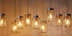 Heb je zin om creatief aan de slag te gaan? Maak dan deze leuke lamp van glazen potten. Weer eens…