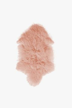::obsessed with this pink and fuzzy rug! This would be perfect in the living room to add texture to your home:: Everything Pink, Boho Baby, Pink Quartz, Colour Schemes, New Room, Pantone Color, Walk In Closet, Decoration, Pink Roses