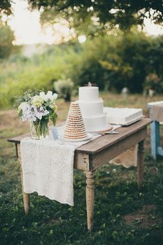 Oregon Farm Wedding from Anna Jaye Photography Farm Wedding, Wedding Events, Rustic Wedding, Dream Wedding, Party Decoration, Wedding Decorations, Table Decorations, Wedding Centerpieces, Decoration Inspiration