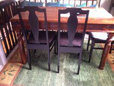 Tuolit uudelleen käsiteltynä. Kulkeneet mukana elämässä 25 vuotta. Nyt uudet kankaat ja väri.