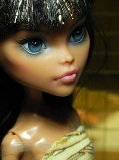 amazing eyes and face repaint.