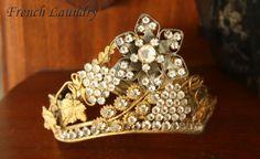 My antique French Trembler saint crown