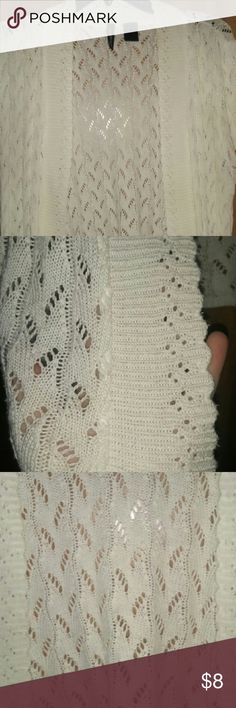 Old Navy sweater Cream colored Old Navy sweater! No stains and pet ...