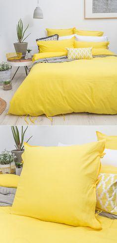 yellow bedspread Yellow Bedspread, Yellow Bedding, Bedroom Yellow, Bedding Sets, Home Bedroom, Bedroom Decor, Bedroom Ideas, Bedroom Storage, Yellow Room Decor