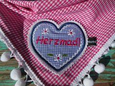 http://hundmali.blogspot.com Hundehalstücher individuell bestickt