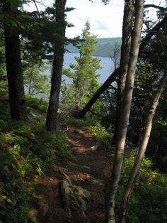 promenade autour du fjord du Saguenay http://tricotdamandine.over-blog.com/2014/07/suite-de-notre-voyage-fjord-du-saguenay-et-plus.html
