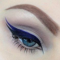 Double Winging the Eyes this looks great I can't wing eyeliner once without messing it up never mind twice lol I seriously need make up lessons Makeup Goals, Love Makeup, Makeup Inspo, Makeup Art, Makeup Inspiration, Beauty Makeup, Perfect Makeup, Makeup Geek, Perfect Lipstick