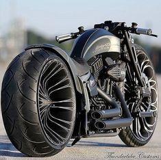 Vrod Harley, Motos Harley, Harley Bikes, Harley Davidson Motorcycles, Harley Gear, Bobber Motorcycle, Moto Bike, Cool Motorcycles, Motorcycle Style