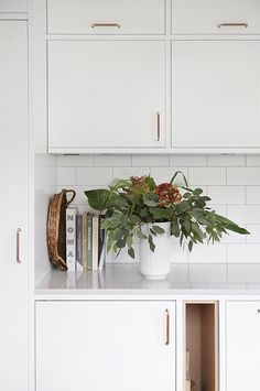 simple white kitchen with accent handles Kitchen Decor, Kitchen Inspirations, Kitchen Style, Home Decor Paintings, Kitchen Interior, Home Kitchens, Cheap Home Decor, Kitchen Remodel, Home Decor