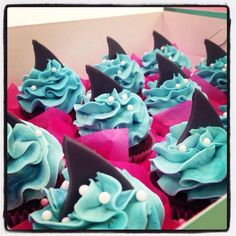 Shark Cupcakes                                                       …