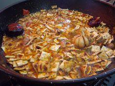 ¿Quién no conoce el gazpacho andaluz? Creo que todo el mundo, es más, aunque le preguntes a alguien de fuera, seguro que lo cono...