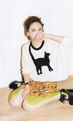 Yui Aragaki Cute Fashion, Girl Fashion, Fashion Women, Japan Girl, Japanese Beauty, Japan Fashion, Playing Dress Up, Cool Girl, Street Style