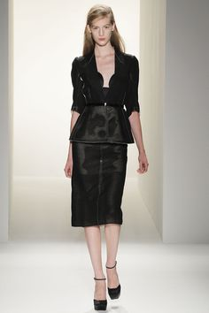 Francesco Costa for Calvin Klien, looking good, very monochrome, very elegant, very tres chic!! #NYFW