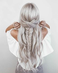 """16.1k Likes, 172 Comments - @emilyrosehannon on Instagram: """"tag a friend who needs this hair or can do this to your hair! wearing my @bellamihair extensions…"""""""