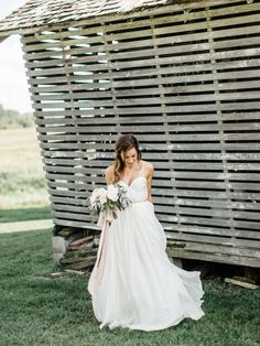 Wes & Bethany's Minnesota countryside barn wedding at Rosebrook Farms in Indpendence, MN. Photographed by Gene Pease of Geneoh Photography.
