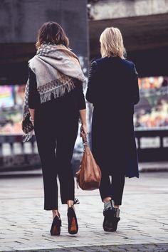 black I Humanoid scarf I #streetwear I #point41