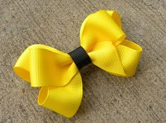 Six Loop Boutique Hair Bow Tutorial Easy Hair Bows, Making Hair Bows, Bow Hair Clips, Bow Making, Hair Ribbons, Ribbon Hair, Ribbon Bows, How To Make Hair, How To Make Bows