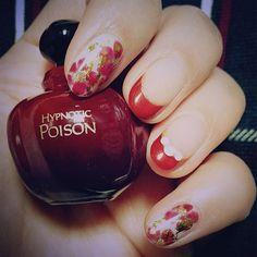 ♡newネイル&たまにつける香水♡#ネイル #ホイルネイル #赤ネイル #冬仕様ネイル
