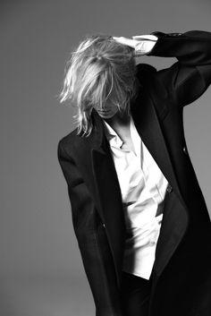 Claudia Schiffer by Francesco Carrozzini for Vogue Germany June 2010