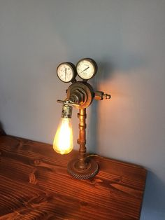 Éclairage industriel par HandMadeTradeCo sur Etsy