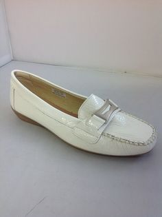1 Hirica Alaska - B -  Hirica from France.  Classic mocassin in patent leather with pewter trim.  Available in Black, White and Fuchsia.   Sizes range 36.5 -42.