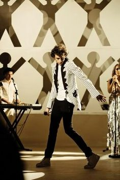 Mika - Through The Looking Glass 28 08 09