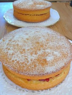 Pan di Spagna col Bimby Italian sponge cake Ingredients  - 250 gr White Flour Type 00  - 250 g sugar  - 6 eggs  - 1 pinch of salt  Also includes different variations