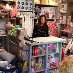 Elle vous accueillera toujours avec ce grand sourire qui la caractérise et vous conseillera toujours avec goût...Karine, la gérante de la boutique LES ENFANTS D'ABORD à une sélection de jouets, de meubles, de déco et de vêtements qui vous séduira à coup sûr!! 36 rue Pierre Semard - 75009 PARIS - tèl: 01.48.78.51.94