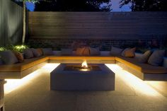 ✩ Check out this list of creative present ideas for people who are into photograhpy Backyard Seating, Fire Pit Backyard, Garden Seating, Outdoor Seating, Backyard Patio, Backyard Pool Designs, Backyard Garden Design, Patio Design, Exterior Design