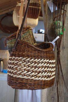 Wicker Baskets, Weaving, Home Decor, Bags, Decoration Home, Room Decor, Loom Weaving, Crocheting, Home Interior Design