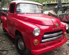 Dodge 1954 Pick Up. Está hermosa, simplemente véanla. Está andando perfectamente. En excelente estado, recién restaurada.  http://www.arcar.org/dodge-1954-pick-up-45683