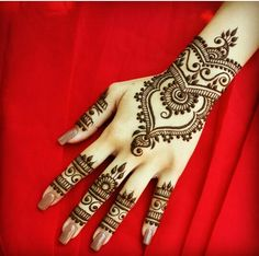 Beautiful and clean henna mehndi design