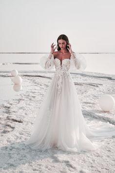 Tulle Wedding Gown, Fall Wedding Dresses, Bridal Dresses, Tulle Gown, Weeding Dresses, Wedding Dress Beach, Dresses Dresses, Vera Wang Wedding Dresses, Whimsical Wedding Dresses