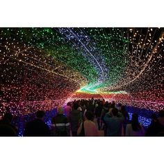 Japan's light tunnel installat - Picture by comfortstools - InstaWeb - InstaGram photos