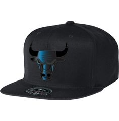 2756b2a9c9c5 Mitchell  amp  Ness Men s Chicago Bulls Black Foil High Crown Fitted Hat -  Dick s Sporting