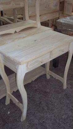 Wood Furniture Legs, Royal Furniture, Diy Pallet Furniture, Classic Furniture, Handmade Furniture, House Furniture Design, Home Decor Furniture, Wood Bench Plans, Sofa Layout